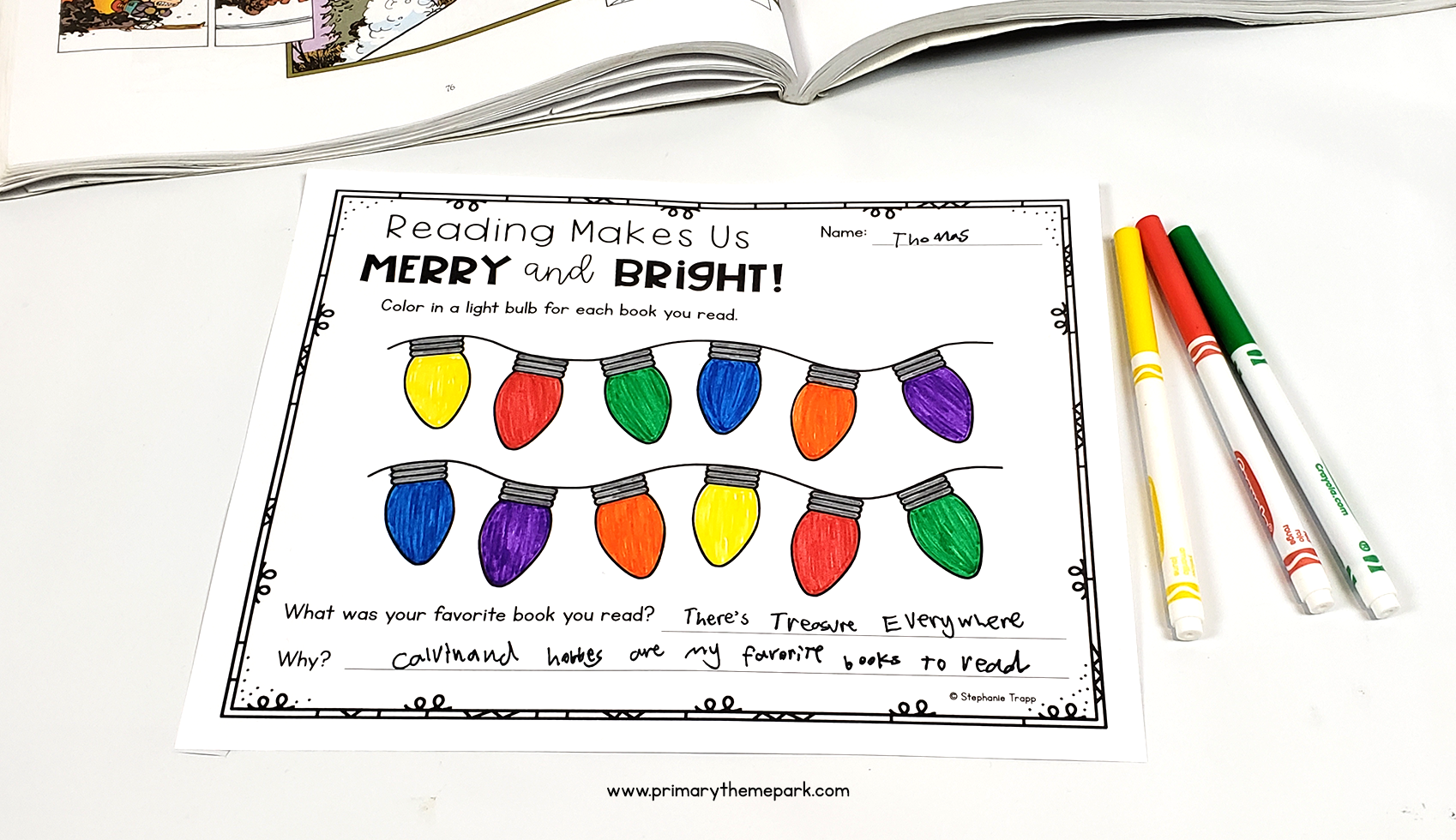 Christmas Reading Challenge Recording Sheet. Color in a Christmas light for each book read.